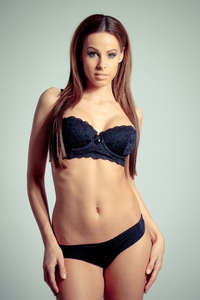 Stansted Escorts so charming brunette woman