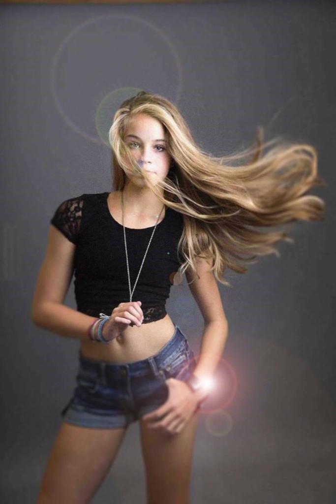 Sutton Escorts sexy blonde