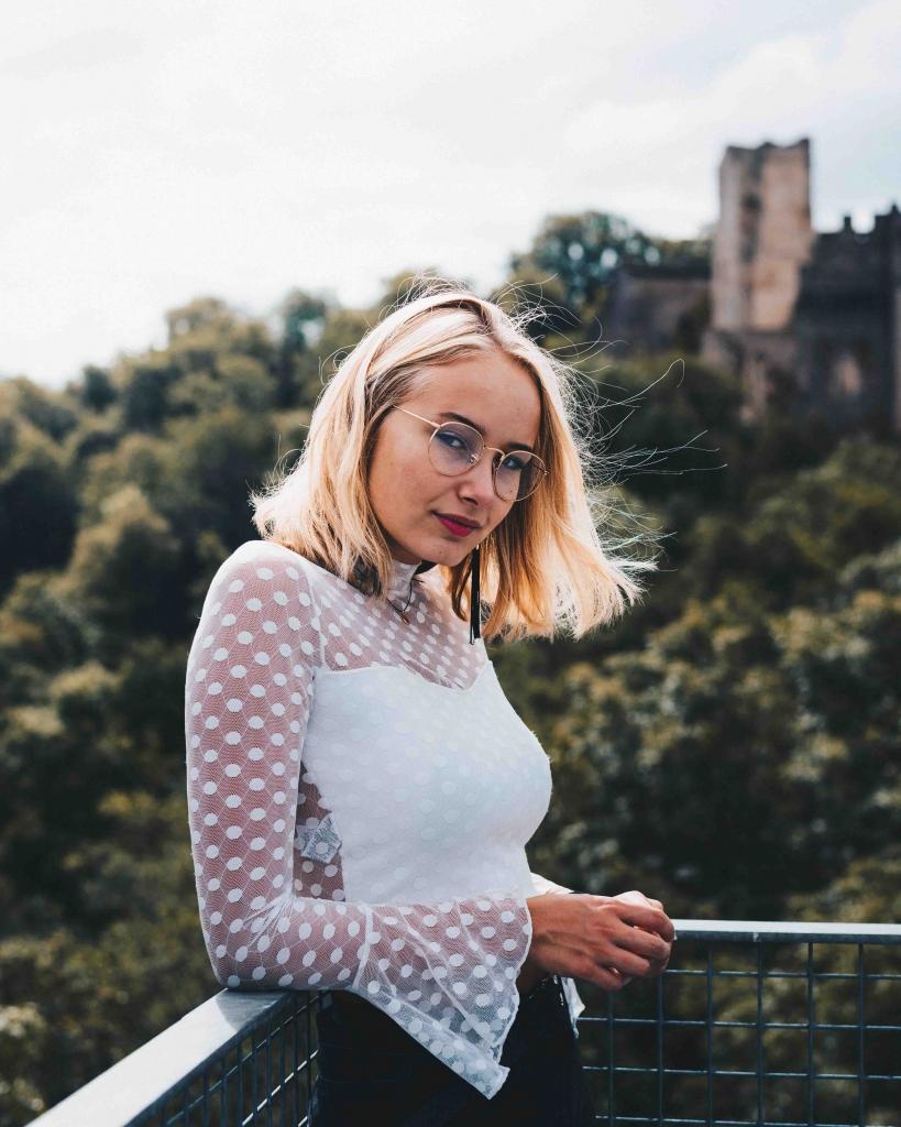 Belsize Park escorts charming blonde