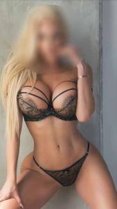 Gigi - Hot Blonde