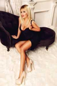 Nancy Stunning Blonde