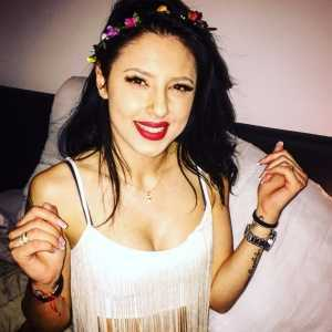 Kasandra Slim Brunette Lady
