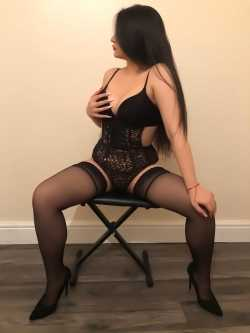 Aysha Brunette Party Girl