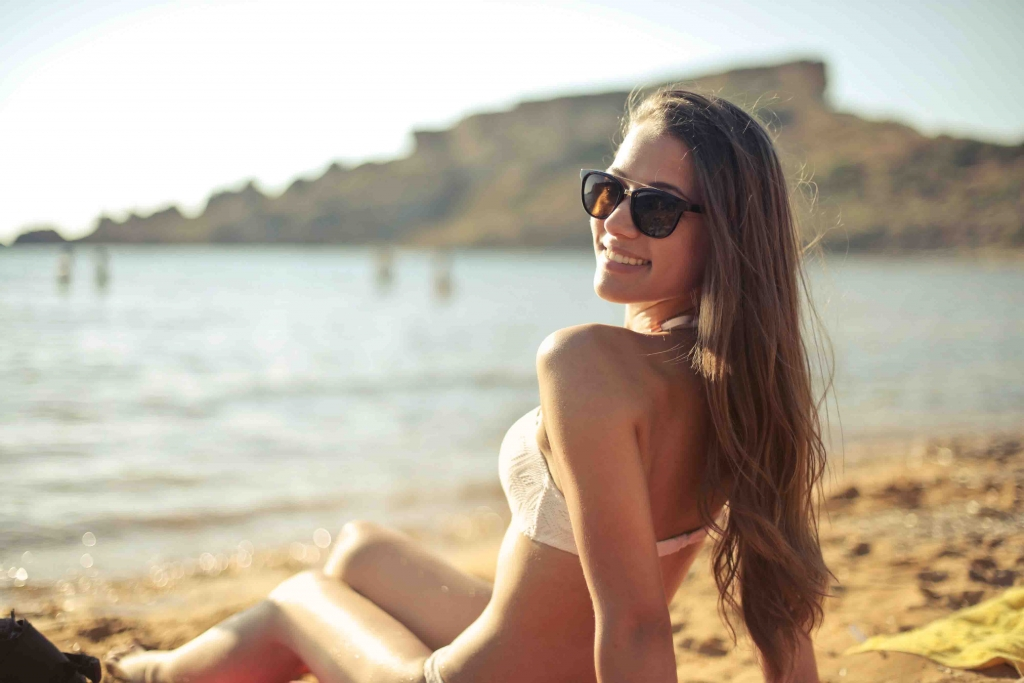 Norwegian escorts - charming woman in bikini