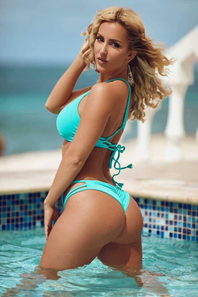 Sexy Beach Bum
