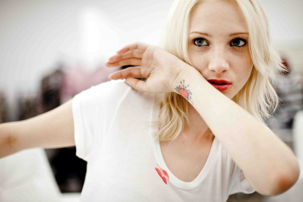 Hendon Escorts In London - hot blonde