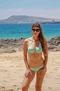 Elegant escorts - hot girl in bikini