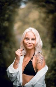 Kennington escorts - sexy blonde
